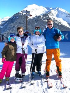 professor-lloyds-family-skiing